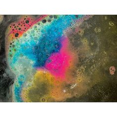 the experimenter ❤️ I loved this bath bomb . It smells amazing and it's a classic the colors  | Pinterest➡️ Claire Graves