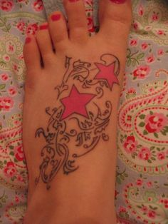 foot start tattoo - 25 Awesome Star Tattoo Designs | Art and Design
