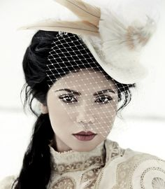 I would LOVE it if I bride had something like this! How gorgeous is this old Victorian style?!?    bridal-top-hat-etsy-victorian-topsy-turvy-design