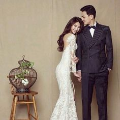 Is it Worth Opting for Professional Wedding Photography? Pre Wedding Poses, Pre Wedding Photoshoot, Wedding Pics, Wedding Shoot, Wedding Bride, Wedding Styles, Wedding Dresses, Korean Wedding Photography, Wedding Photography Poses