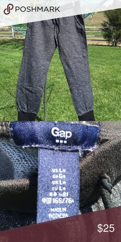 Gap joggers Black/gray marled joggers with solid black waistband and cuffs. Elastic waist with drawstring. The fit doesn't suit me, but it may suit you!😉 GAP Pants Track Pants & Joggers