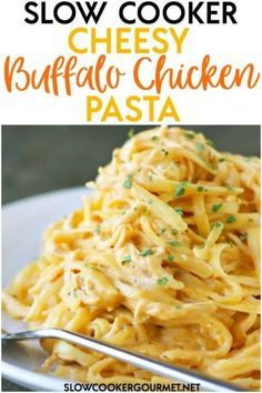 The most decadent, amazing and delicious meal to ever come out of your slow cooker! This Slow Cooker Cheesy Buffalo Chicken Pasta continues. Slow Cooker Huhn, Slow Cooker Pasta, Crock Pot Slow Cooker, Slow Cooker Recipes, Cooking Recipes, Slow Cooker Spaghetti, Cooking Ideas, Slow Cooking, Slow Cooked Meals
