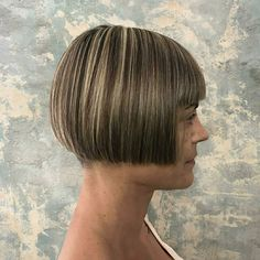33 Short Hairstyles for Older Women - July 2020 Edition Short Hair Older Women, Haircut For Older Women, Short Hairstyles For Women, Short Hair Cuts, Short Hair Styles, Latest Hairstyles, Small Hair Clips, Flower Hair Clips, Flowers In Hair