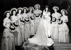 shirleywedding   O vestido destaque detalhes bordados ao longo do decote e teve um impressionante trem catedral de estilo. Shirley também usava um véu de corpo inteiro anexado a uma tiara bonita, que refletia o padrão de bordado e luvas de cetim elegantes em uma cor para combinar com a de seu vestido de casamento ....