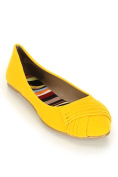 Bamboo Jump-29 Pleated Front Pointy Ballet Flat In Yellow