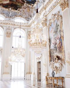 Holidays at the Castle - 3 Beautiful Châteaux to Visit in France - Architecture Architecture Baroque, Beautiful Architecture, Beautiful Buildings, Architecture Design, Beautiful Places, Renaissance Architecture, Italy Architecture, Arquitectura Wallpaper, Princess Aesthetic