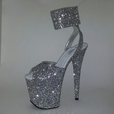 New pole dancing shoes outfit ideas Pole Dancing Clothes, Swing Dancing, Ballroom Dancing, Pole Dance, Sexy High Heels, High Shoes, Silver Glitter Shoes, Glitter Top, Glitter Heels