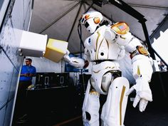 NASA just gave two US universities a robot each. Their mission: Get this thing to move like a human.