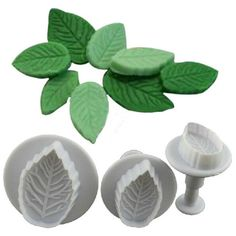 Make beautiful Fondant or Gumpaste cutouts with this impression cutter set. With…