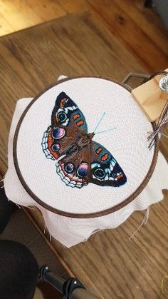Hand embroidered butterfly by Georgie K Emery - Hand Embroidery Stitches Hand Embroidery Patterns Flowers, Hand Embroidery Videos, Hand Embroidery Tutorial, Butterfly Embroidery, Creative Embroidery, Hand Embroidery Stitches, Machine Embroidery Patterns, Embroidery Hoop Art, Crewel Embroidery