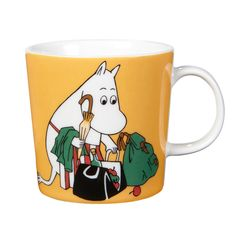 "Arabia's mug ""Moominmamma apricot"" (Muumimamma aprikoosi) with elegant shape and kind motif from the Moomin world. Charming pottery from Finland. Secure payments and worldwide shipping within 24 hours. Moomin Shop, Moomin Mugs, Feng Shui, Moomin Valley, Tove Jansson, 6 Pack, Ceramic Tableware, Ceramic Mugs, Mom Mug"