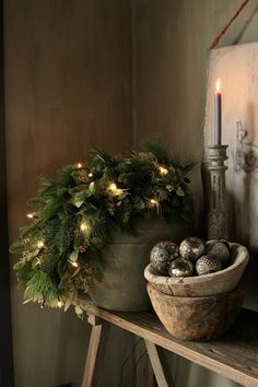 Christmas Trends - Colors, Designs and Ideas - Interior . Christmas Trends - Colors, Designs and Ideas - InteriorZine , Christmas Decorating Trends 2019 / 2020 – Colors, Designs and Ideas - Interior. Christmas Trends, Noel Christmas, Primitive Christmas, Rustic Christmas, Winter Christmas, Christmas Wreaths, Christmas Colors, Christmas Presents, French Country Christmas