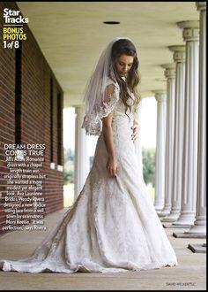 Another view of Jill Duggar's wedding dress