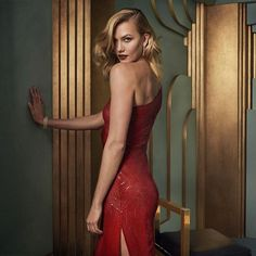 : @karliekloss inside the 2017 #VFOscars @Instagram portrait studio. See even more exclusive portraits at the link in bio. Photograph by @MarkSeliger.  via VANITY FAIR MAGAZINE OFFICIAL INSTAGRAM - Celebrity  Fashion  Politics  Advertising  Culture  Beauty  Editorial Photography  Magazine Covers  Supermodels  Runway Models
