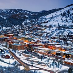 Enjoy the best things to do in Park City, Utah -- no skis required. Utah Vacation, Vacation Spots, Park City Restaurants, Places To Travel, Places To See, Salt Lake City Utah, Park City Utah Skiing, Park City Utah Summer, Scenic Photography