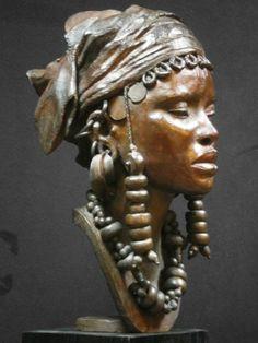 Darbaud_sculptures_femme_peul_01 Sculpture Head, Modern Sculpture, Bronze Sculpture, Ceramic Sculpture Figurative, Ceramic Sculptures, African Pottery, Afrique Art, African Sculptures, Black Artwork