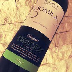"""Mal was anderes: Der Gomila 2015 """"Delightful"""" ist ein Weißwein aus Slowenien, angebaut von der Familie Puklavec. Ein fruchtiger Wein mit knackiger Säure, aber ausbaufähig...  http://www.weinbilly.de/sauvignon-blanc/gomila-2015-delightful"""