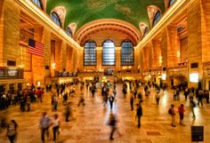 The fabulous building and ceiling of grand central station