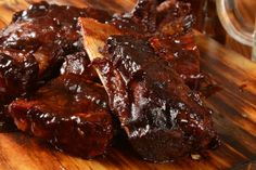 If You Like Fall Of The Bone Ribs With Out Working Over A Hot Grill Then You Might Wanna Check This Out… BBQ ribs remind me of the smell of Lamb Ribs, Beef Ribs, Slow Cooker Ribs Recipe, Slow Cooker Recipes, Dutch Oven Recipes, Rib Recipes, Ribs In Oven, Chipotle Sauce, Sauces