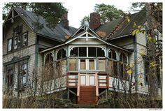 Kruunuvuori - abandoned villas in Helsinki
