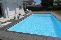Plage de piscine et galets, France Terrasse Design, Outdoor Fun, Outdoor Decor, Garden Steps, Cute House, Backyard, Patio, Pool Houses, Garden Landscaping