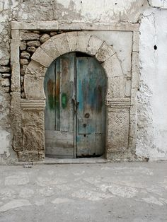 Cool Doors, Unique Doors, Knobs And Knockers, Door Knobs, The Doors Of Perception, Door Gate, Rustic Doors, Closed Doors, Doorway