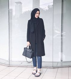 Ranihatta #hijabfashion Hijab Casual, Hijab Style, Hijab Chic, Simple Hijab, Street Hijab Fashion, Fashion Pants, Fashion Outfits, Fashion Fashion, Vintage Fashion