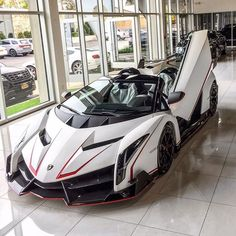Lamborghini Veneno w/ scissor door open - Autos Online Luxury Sports Cars, Top Luxury Cars, Exotic Sports Cars, Cool Sports Cars, Super Sport Cars, Cool Cars, Exotic Cars, Lamborghini Veneno, Carros Lamborghini