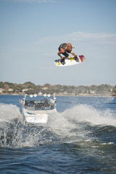 How To: Rusty Extra Late Indy Back 5 | Wakeboarding Magazine