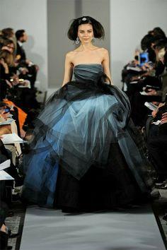 #DELORTAEAGENCY Fabulous Gown of the Day   Oscar de la Renta Haute Couture NYFW 2012 #OscardelaRenta #couture #fashion