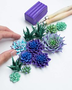 Polymer Clay Flowers, Fimo Clay, Polymer Clay Crafts, Polymer Clay Jewelry, Biscuit, Cute Clay, Clay Animals, Sculpture Clay, Clay Charms