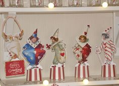 I counted last night, and there is still 7 more posts coming in the Valentine Love Circus series: Pierrots & Pierrettes, assembly instructions and display ideas Big Top Hearts w/printable &...