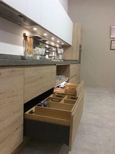El Precio de una Cocina Kitchen Island, Table, Furniture, Home Decor, Drawers, Lowes Kitchen Cabinets, Decorating Kitchen, Wooden Gates, Organized Kitchen
