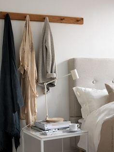 Till denna inredning har vi ett DIY tips med satsborden VITTSJÖ, vi har bytt ut toppskivorna mot marmormönstrade klinkerplattor.