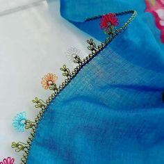 🔴 Sipariş için DM ➡️ ✉ ◾▶️Kargo alıcıya aittir. 🚛 ----------------Alıntıdır----------------------- #igneoyasi #igneoyalari #dantel #çeyiz… Filet Crochet, Embroidery Stitches, Fabric Crafts, Tatting, Elsa, Diy And Crafts, Christmas Decorations, Lace, Model
