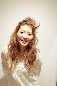 金井 幹郎 Long Hair Styles, Beauty, Cosmetology, Long Hair Cuts, Beauty Illustration, Long Hairstyles, Long Hairstyle, Long Haircuts