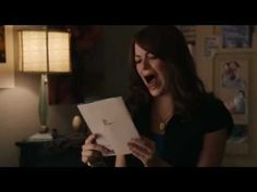 Emma Stone in Easy A: Need a reminder of how ridiculously funny Emma Stone is? Watch her character Olive become slowly obsessed with the Natasha Bedingfield song Pocketful of Sunshine over the course of a few days. Pocket Full Of Sunshine, Sunshine Love, Easy A Film, I Love To Laugh, Make Me Smile, Natasha Bedingfield, Bad Songs, Funny Clips, About Time Movie