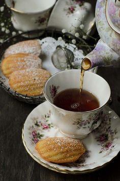 French madeleines Time For Tea Fragrant tea inspiration for Karen Gilbert Afternoon Tea, Coffee Time, Tea Time, Café Chocolate, Cuppa Tea, My Cup Of Tea, Aesthetic Food, Tea Recipes, Vintage Tea