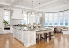 This beach view in the kitchen is heavenly.