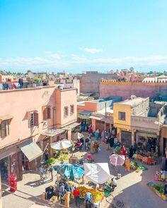 Über den Dächern von Marrakesch. Schönen Abend euch allen!   #littlecityinmarokko #marrakesh #flyedelweiss #souk #medina