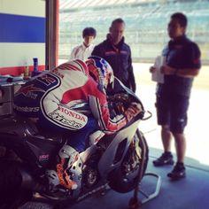 Casey Stoner 2014 | MotoGP, Casey Stoner in pista a Motegi per i test HRC (FOTO/VIDEO)