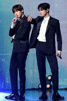 Yoon Sanha [윤산하] and Cha Eunwoo [차은우] Astro Fandom Name, Lee Dong Min, Cha Eun Woo Astro, Kim Hyun, Blue Flames, Handsome Faces, Korean Artist, Debut Album, Prince Charming