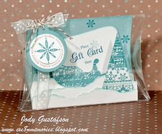 Clear pillow box gift card holder