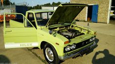 1972 Toyota Hilux (camper pod as well) not vw camper (SURFERS LOOK)