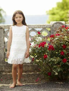 Oscar de la Renta Girls #summer15 #childrenswear Kids Summer Dresses, Girls Fall Outfits, Teenager Outfits, Little Girl Dresses, Girls Dresses, Flower Girl Dresses, Moda Kids, Glamour, Girl Falling