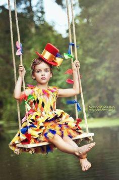 Best Birthday Photoshoot Kids Girl Ideas - My favorite children's fashion list Baby Girl Fashion, Fashion Kids, Party Fashion, Fashion Shoot, Fashion Fashion, Birthday Photography, Party Photography, Creepy Photography, Fantasy Photography