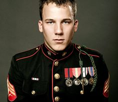 Marine dress uniform a man in uniform Marine Love, Once A Marine, Army Uniform, Men In Uniform, Military Uniforms, Army Costume, Army Brat, Us Marines, Military Life