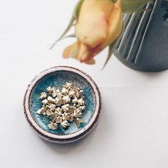 Ready! Set! Go!!! 🏁 #sommerfugle #kys #småkys #ørestikker #butterflies #butterflytwins #meringues #meringuekisses #kisses #earrings #production #gold #guld #silver #sølv #diamond #diamant #smykker #jewelry #jewellery #guldsmed #jeweller #goldsmith #handcrafted #handmade #danishdesign #guldsmedlouisedegn