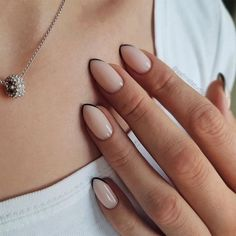 In seek out some nail designs and ideas for your nails? Here is our listing of must-try coffin acrylic nails for cool women. Stylish Nails, Trendy Nails, Hair And Nails, My Nails, Fall Gel Nails, Winter Nails, Summer Nails, Nail Manicure, Nail Polish