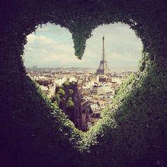 Tour Eiffel - Eiffel Tower - Paris / Chic With A Twist Paris France, Oh Paris, I Love Paris, Paris City, Paris 2015, From Paris With Love, Places To Travel, Places To See, Torre Eiffel Paris